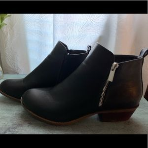 WOMEN'S BLACK LEATHER BOOTIES SIZE 11